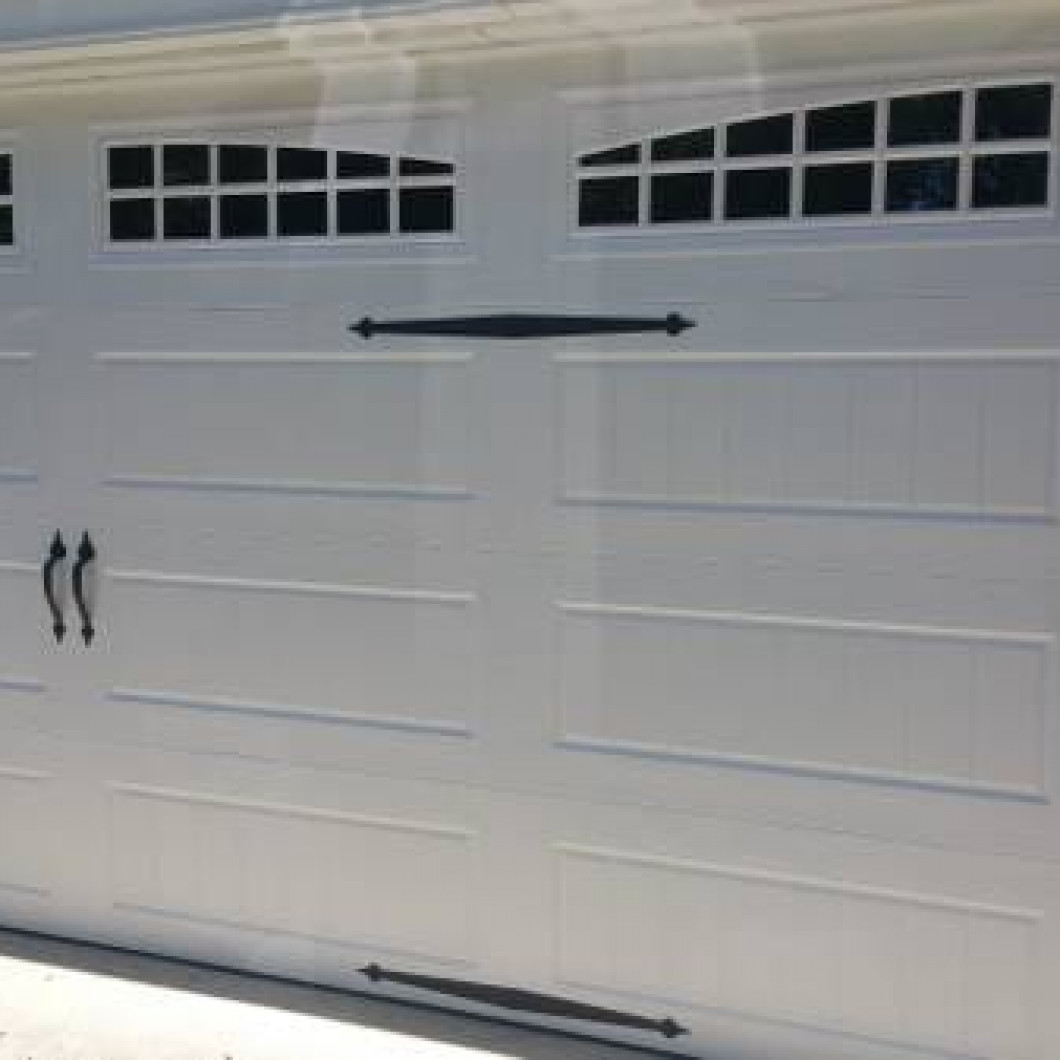 Sleep peacefully with a professional hurricane-rated garage door
